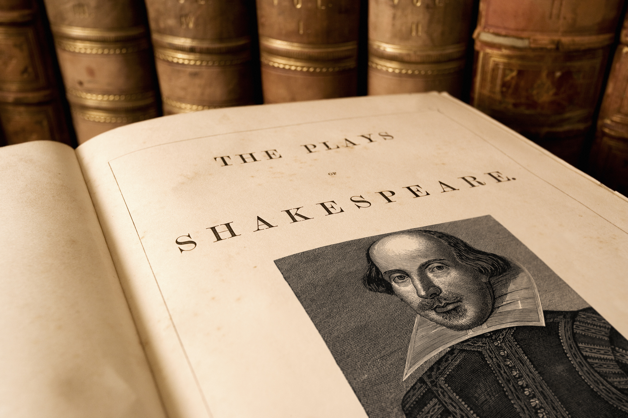 What Your Community Theatre Can Learn From Shakespeare's Work During a Pandemic